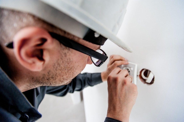 Comment trouver un électricien à Mésanger ?